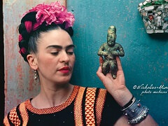 Frida Kahlo with Idol
